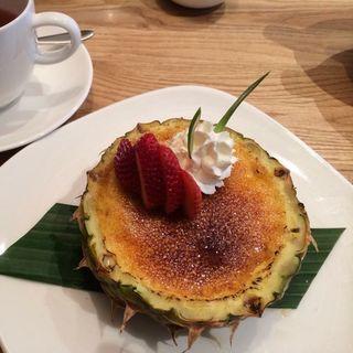 パイナップルのクリームブリュレ(トミーバハマ 銀座店)