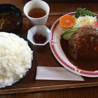 ハンバーグ定食(ハイジ )
