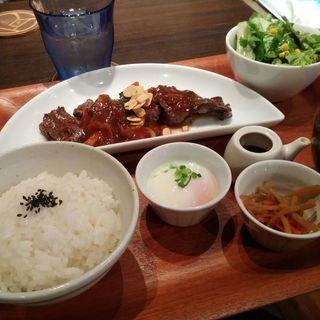 牛ハラミのグリル定食(kawara CAFÉ)