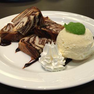 京都祇園BOLONIYAのチョコデニッシュプレート(カフェ ラベンダー (Cafe Lavender))