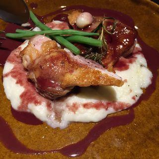 知床鶏モモ肉のソテー 赤ワインソース(トラットリア ブラックバード )