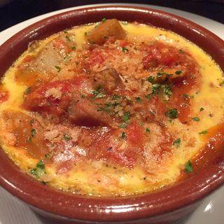 鶏肉とゴボウのトマト 土鍋焼き(のみくい処ばる )