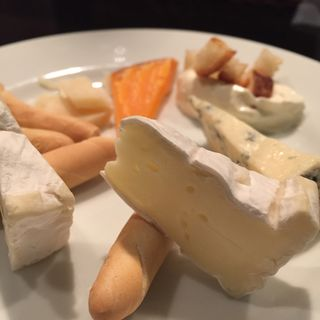 チーズ盛り合わせ(のみくい処ばる )