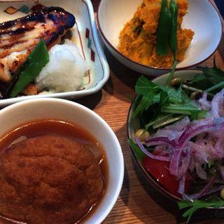 酢重おばんざい4種盛り合わせ( 酢重DINING (すじゅうダイニング))