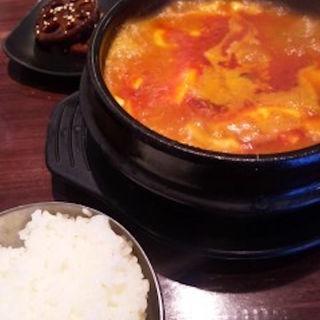 キムチ豆腐チゲ鍋定食(秀彬 ~スビン~ )
