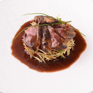 フランス産鴨胸肉のロースト(レストランパフューム (Restaurant Perfumes))