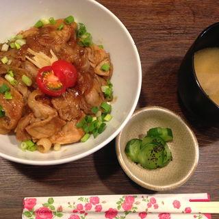 もち豚生姜焼き丼セット(positive cafe)