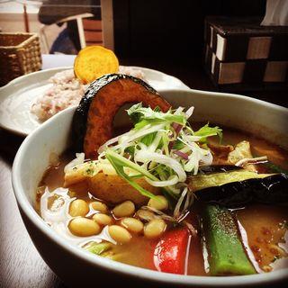 彩り野菜のスープカレー(南葉亭)