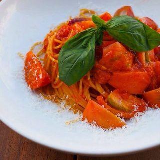 まるちゃんのフルーツトマトがうまいから!スパゲッティーニ(ノック クッチーナ・ボナ・イタリアーナ (KNOCK CUCINA BUONA ITALIANA))