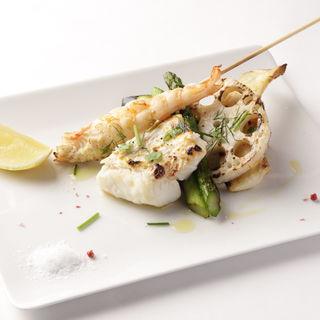 本日の鮮魚と旬野菜の炭火焼き盛り合わせ(ラ・カンティーナ・センプレ (La cantina Sempre))