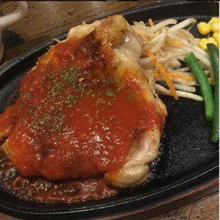 自家製トマトソースのチキンステーキ(ふらんす亭 新宿西口店 )