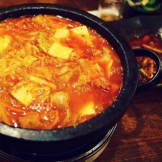 ホルモン鍋(鳳仙花)