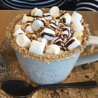 焼きマシュマロラテ(peanuts cafe)
