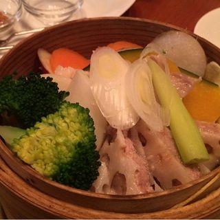 有機野菜とお肉のせいろ蒸し(CHIBIKURO-SAMBO)