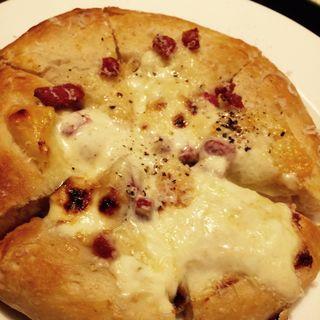 サラミとマスカルポーネのピザ(ぶぁん )