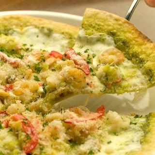 4種チーズの薄焼きクリスピーピザ(オリエンタルダイニング ローブ 渋谷店)