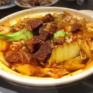 マーラー牛バラ煮込み麺(香港ロジ 原宿店 )