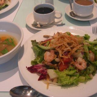 サラダランチ(カフェーズ (Party and Dining CAEFZ))