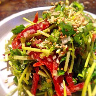 腸詰とパクチーサラダ(G-1)