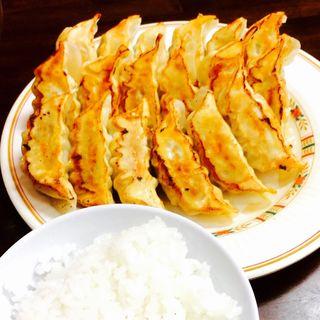 健太スタミナ餃子、肉餃子、ニラ餃子とライス(宇都宮餃子館 東武駅前店)