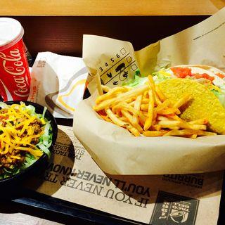 タコライスとタコス(タコ ベル 渋谷道玄坂店 (Taco Bell))