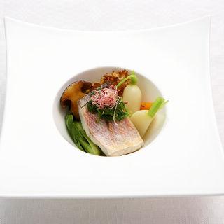 真鯛のポワレ 温野菜添え(ラール・エ・ラ・マニエール )