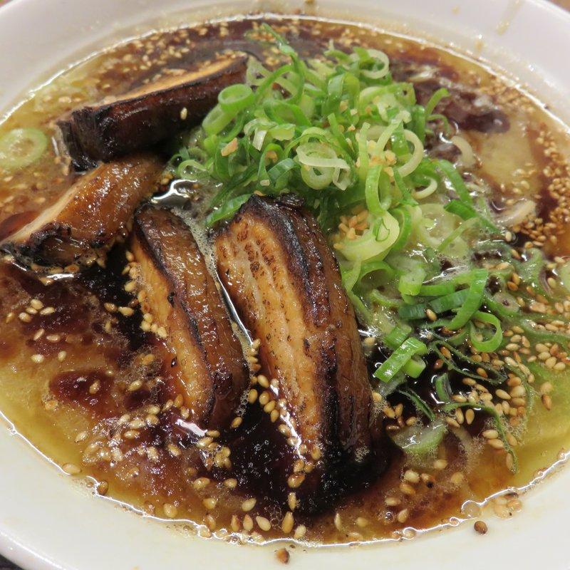 黒盛りチャーシュー麺
