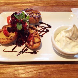イチゴとチョコのフレンチトースト(カフェオットー・シクロ )