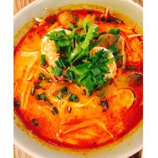 クイッティオトムヤムトムヤムスープの麺(クルン サイアム (Krung Siam))