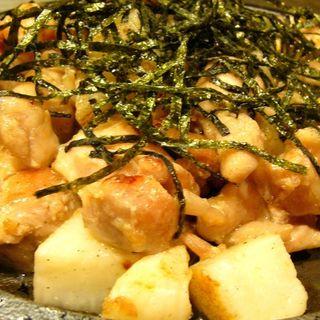 鶏と山芋のホクホク焼き(塩たれ)(広島焼 HIDE坊 神田店 (ひろしまやき・ひでぼう))
