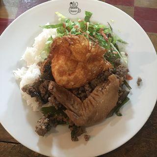 豚ひき肉とバジルソースのタイ風炒めごはん(カフェバザール (cafe Bazzar))