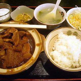 豚角煮ランチ(過橋米線 (カキョウベイセン))