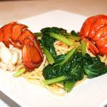 オマール海老と彩り野菜のトマトクリームスパゲッティ