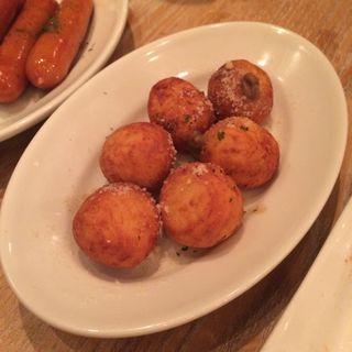 リコッタチーズとジャガイモの揚げニョッキ(パッパトリア (Pappa Toria))