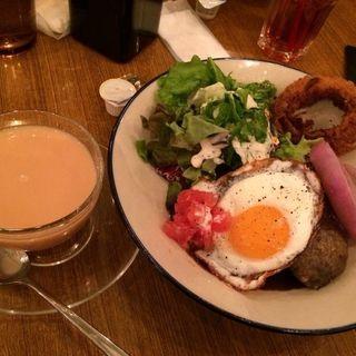 ロコモコ丼(WIRED CAFE 梅田NU chayamachi店)