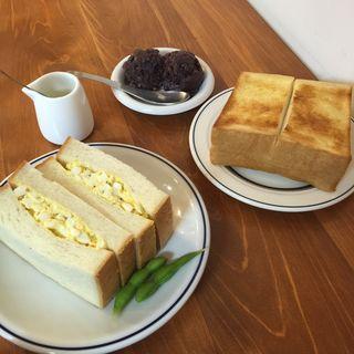 タマゴサンド・小倉トースト(メガネコーヒー)