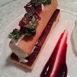 いちごのムースケーキ(レストラン ヒロミチ )