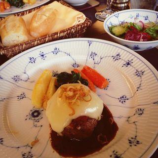長野県産和牛のハンバーグ(The Gosenjaku)
