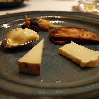 チーズの盛り合わせ(ロドラント ミノルナキジン (l'Odorante par MinoruNakijin))