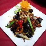 牛肉と季節野菜の黒ゴマ味噌炒め