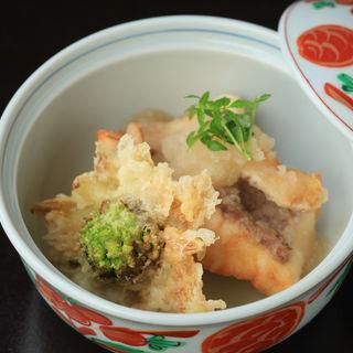 天ぷら盛り合せ(良食健富 りょうぶ)