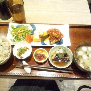 紬 つむぎ お膳 さばの竜田揚げ甘酢野菜ソース(カフェ ソラーレ Tsumugi 有楽町マルイ店 )
