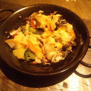 季節野菜のオーブン焼き×ラクレットチーズ(SMITH (スミス))