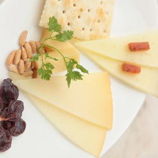 チーズの盛り合わせ(赤坂スペインクラブ アラ )