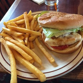 チキンバーガー(Fast Eddy's Restaurants)
