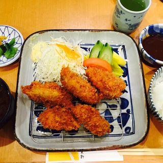 カキフライ定食(花柳 ホワイティうめだ (カツ料理))