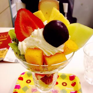 本日のパフェ(タマタ (Fruit kitchen TAMATA))