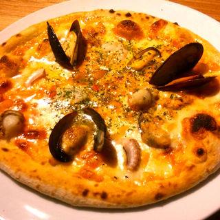 磯かおる魚介のピザ(レギュラー  ハーフ)(洋安健果 ベルポスト (Bel posto))