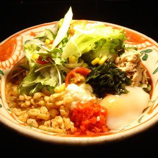 サラダうどん(和食鉄板 銀座 朔月 (さくつき))