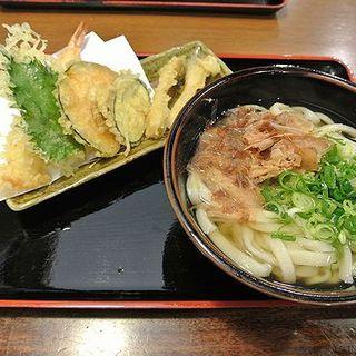 かけうどん+天ぷら (讃岐麺房 すずめ )
